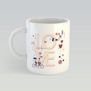 Біла чашка на подарунок з написом LOVE